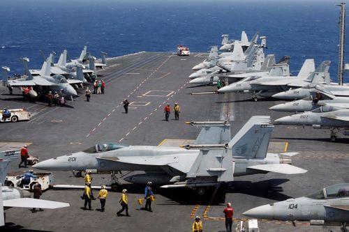 Uy lực khét tiếng của Tàu sân bay USS Carl Vinson - Ảnh 2