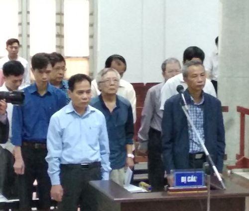 Xử vụ vỡ đường ống nước sông Đà: Bị cáo đồng loạt kêu oan - Ảnh 1