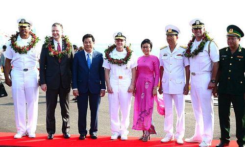 Tàu sân bay Mỹ thăm Việt Nam: Từ cựu thù trở thành đối tác chặt chẽ - Ảnh 1