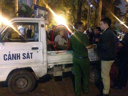 """Vụ kéo lê người trên phố ở Hà Nội: Người dân """"đánh hôi"""" tài xế có bị xử phạt? - Ảnh 1"""