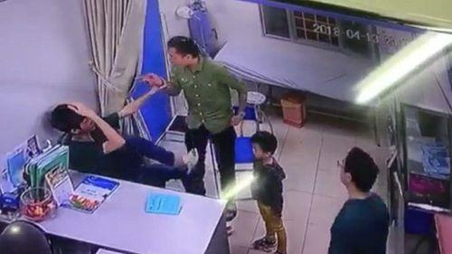 Chủ tịch Nguyễn Đức Chung yêu cầu điều tra vụ bác sĩ BV Xanh Pôn bị hành hung - Ảnh 1