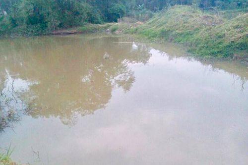 Thi thể 2 học sinh dưới hồ nước ở Hà Tĩnh - Ảnh 1