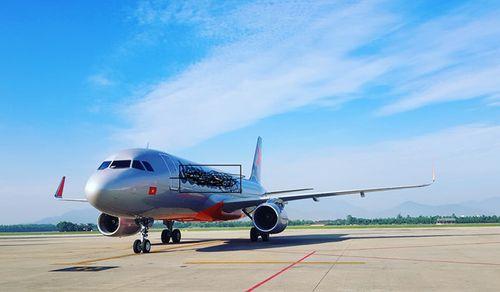 Máy bay dừng khẩn cấp, cứu thai phụ ngoại quốc - Ảnh 1