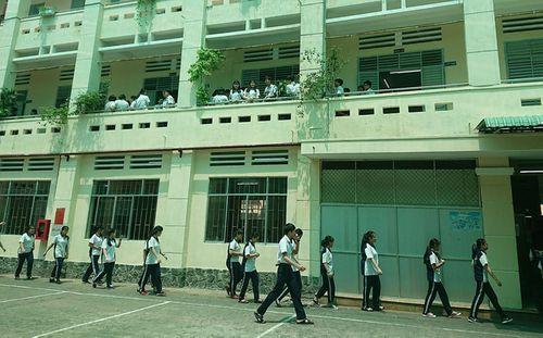 Xác minh nghi vấn nam sinh lớp 11 tự tử vì bị hạ hạnh kiểm - Ảnh 1