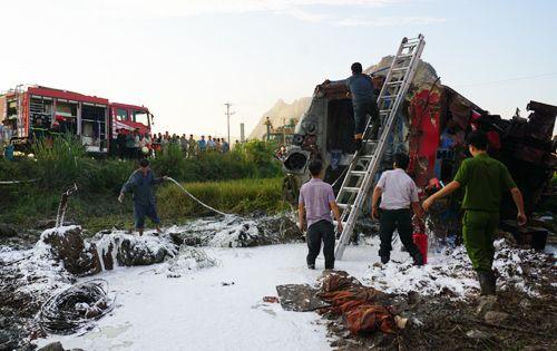 Khởi tố hình sự vụ lật tàu hỏa chở 400 người ở Thanh Hóa - Ảnh 1