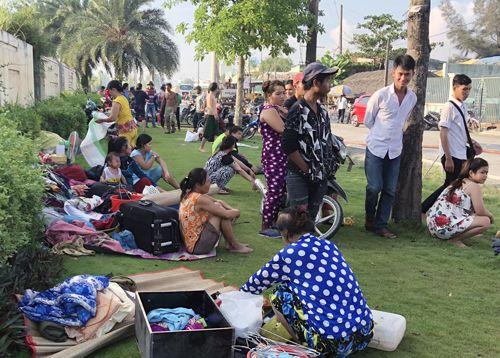 20 lán trại của hàng trăm công nhân ven Sài Gòn cháy rụi - Ảnh 2