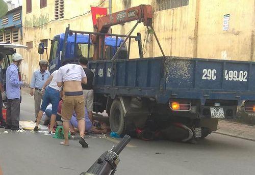 Lời khai của tài xế lùi xe khiến 3 mẹ con thai phụ tử vong ở Hà Nội - Ảnh 1