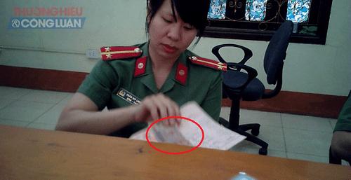 Liệu có việc 'bôi trơn' tại Phòng Quản lý xuất nhập cảnh – Công an tỉnh Lào Cai? - Ảnh 2