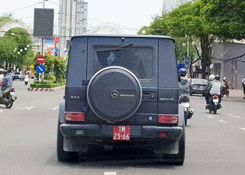 Tiết lộ danh tính tài xế lái xe Mercedes-Benz G55 gắn biển đỏ giả - Ảnh 1