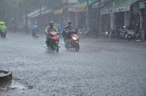 Áp thấp nhiệt đới gây mưa lớn ở miền Bắc - Ảnh 1