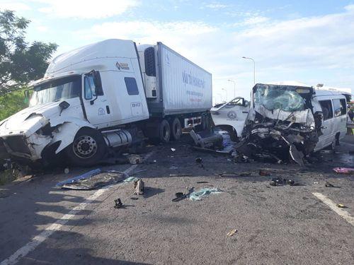 Vụ tai nạn 13 người chết ở Quảng Nam: Tại sao xe khách không có giám sát hành trình vẫn lưu hành? - Ảnh 1