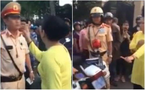 """Tin tức thời sự 24h mới nhất ngày 24/8/2018: Lộ danh tính """"quý bà"""" chống tay chửi bới, xúc phạm CSGT - Ảnh 1"""