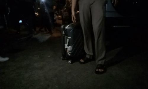 Chiếc valy bí ẩn cảnh sát mang khỏi nhà nguyên Chánh văn phòng Thành ủy Đà Nẵng - Ảnh 4