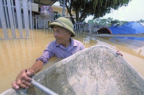 Hồ thủy điện Sơn La, Hòa Bình xả lũ: Hà Nội ra công điện khẩn cấp phòng úng ngập - Ảnh 1