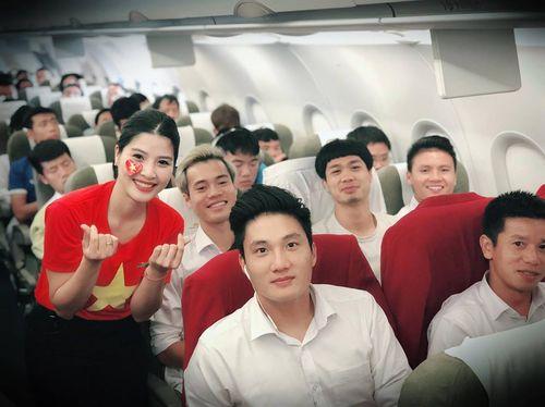 Tiết lộ thú vị trên chuyến chuyên cơ chở đội tuyển Olympic Việt Nam về nước - Ảnh 3