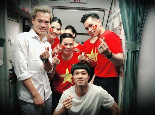 Tiết lộ thú vị trên chuyến chuyên cơ chở đội tuyển Olympic Việt Nam về nước - Ảnh 6