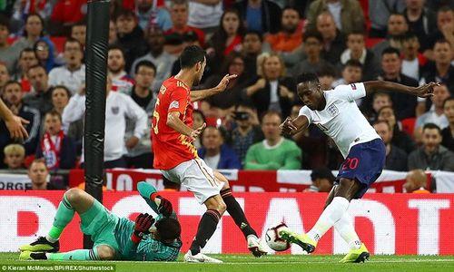 Anh thua ngược Tây Ban Nha ngay tại Wembley - Ảnh 1