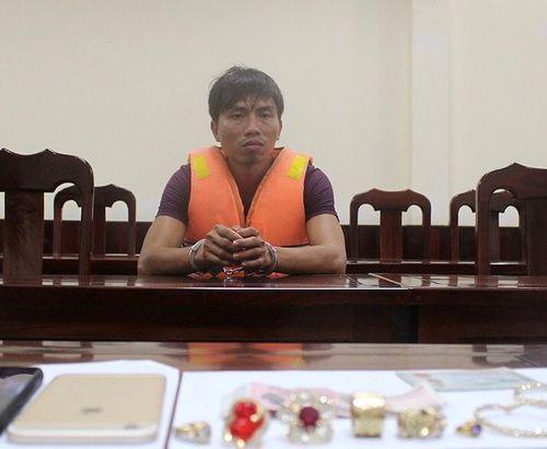 Khởi tố nghi phạm sát hại người phụ nữ 43 tuổi, đẩy xác xuống bìa rừng ở Phú Quốc - Ảnh 1