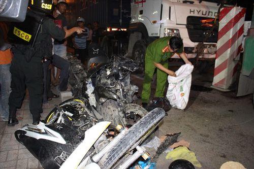 Danh tính nạn nhân vụ xe container đâm hàng loạt xe máy, 4 người chết ở Long An - Ảnh 1