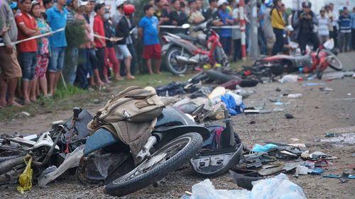 Vụ tai nạn kinh hoàng ở Long An: Thêm 1 nạn nhân tử vong - Ảnh 1