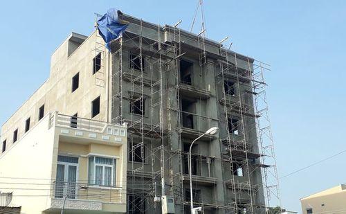 Vụ rơi từ tầng 4 tòa nhà đang xây, 2 công nhân chết tại chỗ: Danh tính nạn nhân - Ảnh 1