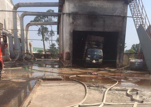 Cháy công ty nước ngoài ở Bình Dương, 1 người chết, 3 người bị thương - Ảnh 1