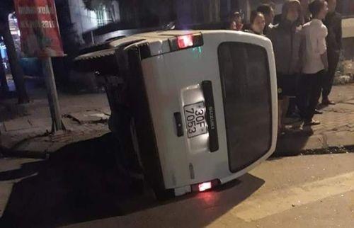 Tin tai nạn giao thông mới nhất ngày 26/1/2019: Xe container lao lên dải phân cách, tài xế có dấu hiệu bất thường - Ảnh 3