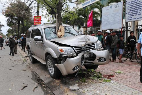 Vụ ô tô tông chết bé trai 3 tuổi đứng chờ xe buýt cùng mẹ: Bắt tạm giam tài xế - Ảnh 1