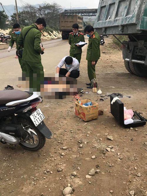 Tin tai nạn giao thông mới nhất ngày 6/1/2019: Lùi ôtô từ nhà ra đường, nữ tài xế cuốn 4 xe máy vào gầm - Ảnh 3
