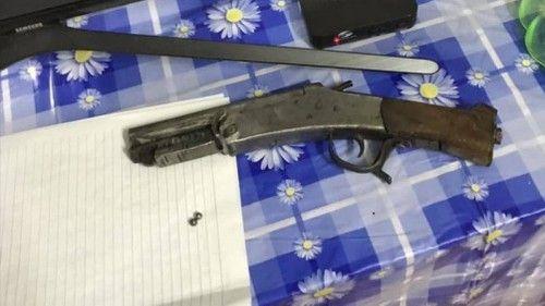 Tin tức pháp luật mới nhất ngày 11/2/2019: Chồng nổ súng vào đầu vợ cũ trong ngày Tết rồi bỏ trốn - Ảnh 1