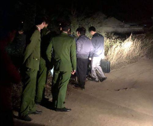 Tá hỏa phát hiện thi thể người đàn ông trước cửa chùa Linh Ứng - Ảnh 1