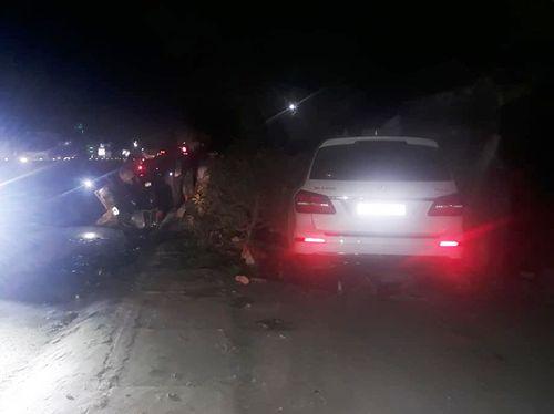 """Mercedes """"điên"""" gây tai nạn liên hoàn, 1 người chết, 2 người bị thương - Ảnh 2"""
