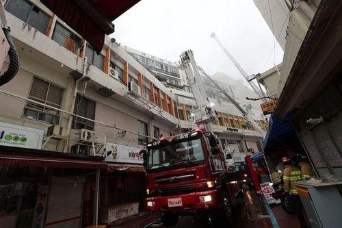 Cháy phòng tắm hơi nam tại Hàn Quốc, 2 người chết, hơn 50 người bị thương - Ảnh 1