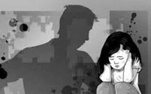 Lời khai lạnh người của nghi phạm khống chế, hiếp dâm con của bạn gái - Ảnh 1