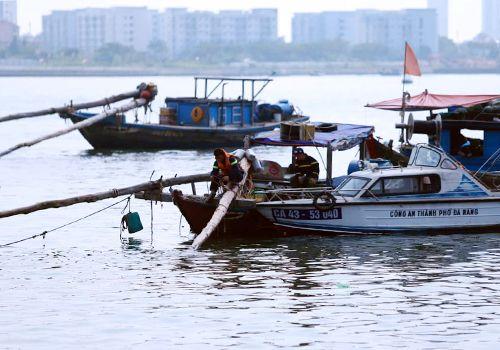 Vụ sát hại con gái, phi tang xác xuống sông ở Đà Nẵng: Mẹ nghi phạm tiết lộ sốc - Ảnh 2