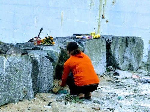 Vụ cha sát hại con gái 8 tuổi, phi tang xác xuống sông Hàn: Nghi phạm thừa nhận tội ác với vợ cũ rồi bỏ trốn - Ảnh 1