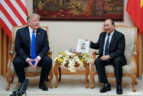 Thủ tướng Nguyễn Xuân Phúc đón Tổng thống Hoa Kỳ Donald Trump - Ảnh 10