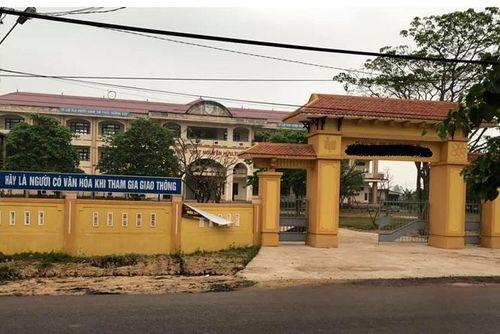 Vụ nữ sinh lớp 10 nghi bị xâm hại tập thể: Nhà trường yêu cầu giáo viên không bình luận trên mạng xã hội - Ảnh 1