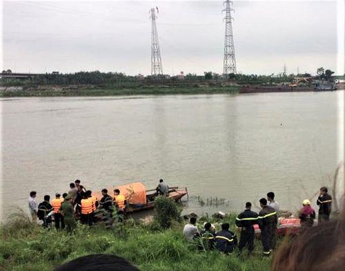 Nghi án nữ sinh lớp 12 ở Bắc Ninh nhảy cầu tự tử sau khi bị hiếp dâm: Hé lộ danh tính nghi phạm - Ảnh 1