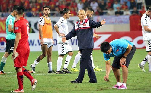 Hòa Afghanistan, ĐTVN giành vé dự vòng chung kết Asian Cup 2019 - Ảnh 1