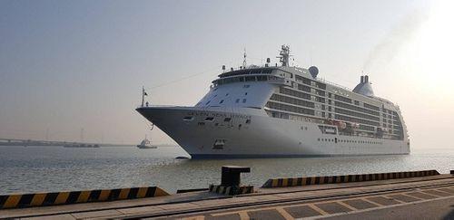 Ngắm tàu du lịch 6 sao thăm Việt Nam ngày cuối năm - Ảnh 3
