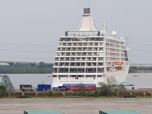 Ngắm tàu du lịch 6 sao thăm Việt Nam ngày cuối năm - Ảnh 5