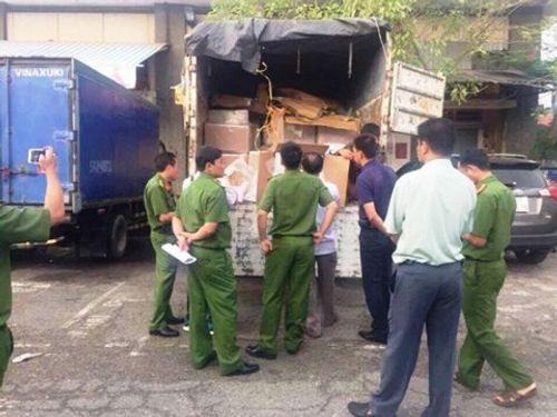 Xe tải chứa hơn 750 kg thuốc tân dược trị giá 5 tỷ đồng bị bắt giữ - Ảnh 1