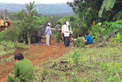 Thực nghiệm hiện trường vụ xả súng làm 3 người chết ở Đắk Nông - Ảnh 1