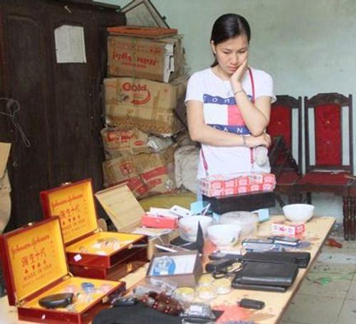 Cô gái trẻ buôn bán thiết bị phục vụ cho việc cờ bạc bịp - Ảnh 2