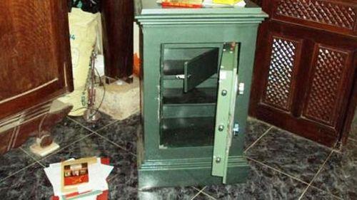 Điều tra vụ Sở Y tế tỉnh Bình Phước bị trộm đục két sắt lấy 1,8 tỷ đồng - Ảnh 1