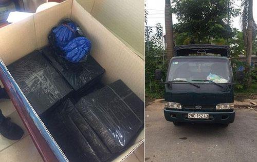 Hà Nội: Phá đường dây vận chuyển 15 bánh heroin và 2.000 viên ma túy tổng hợp - Ảnh 1