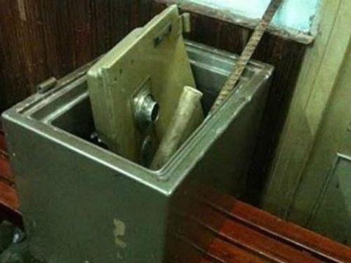 Điều tra vụ công ty bị phá 3 két sắt, trộm tài sản gần 3 tỷ đồng - Ảnh 1