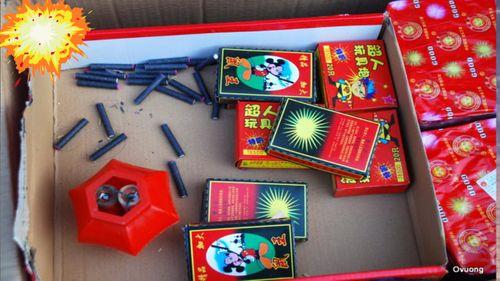 Bắt quả tang nam thanh niên mua bán 15 kg pháo - Ảnh 1