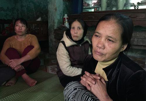 Nỗ lực tìm kiếm 13 ngư dân Thanh Hóa mất tích trên biển - Ảnh 1